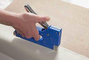 Как пользоваться мебельным степлером: устройство, работа, советы