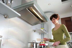 Вытянуть на «отлично»: Как выбрать вытяжку для кухни
