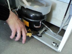 Устранение поломок в холодильнике Аристон