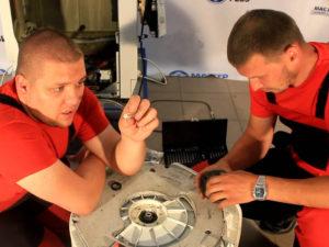 Замена подшипника барабана в стиральных машинах: 7 необходимых инструментов