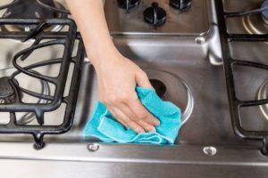 Как очистить плиту от загрязнений: 10 способов