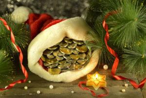 Подарки на Новый год: советы и приметы