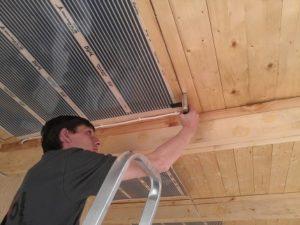 Потолочное отопление инфракрасными пленочными обогревателями на балконе
