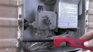 Как включить газовую колонку: 3 способа розжига