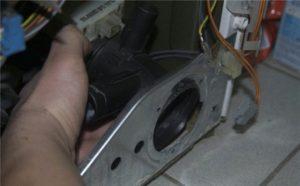 Замена насоса в стиральной машине: Бош Индезит Самсунг Элджи