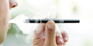 Почему электронная сигарета трещит и плюется жидкостью