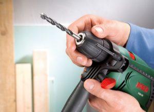 Как пользоваться дрелью: поменять сверло просверлить плитку металл и другие материалы