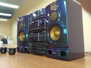 Как выбрать мощный и качественный музыкальный центр