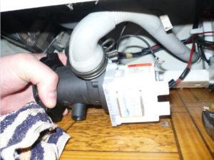 Замена насоса стиральной машины Indesit